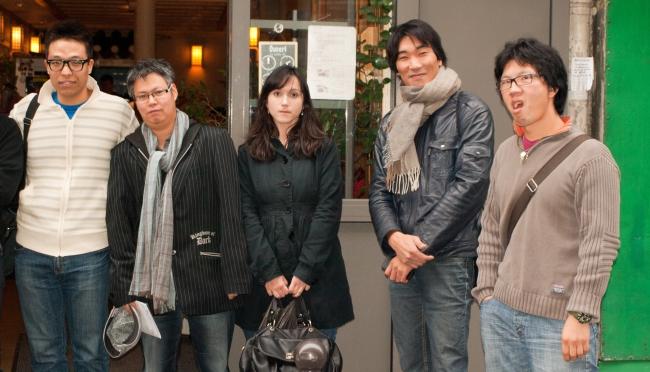 2011.10.30 - Repas Mensuel d'octobre de Racines Coréennes au Guibine Opéra 귀번 - Détail photo de groupe 2/2