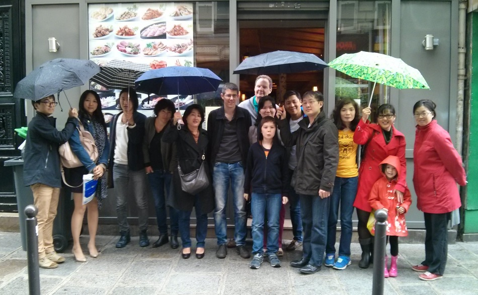 Photo de groupe du déjeuner mensuel parisien de Racines coréennes de juin 2014