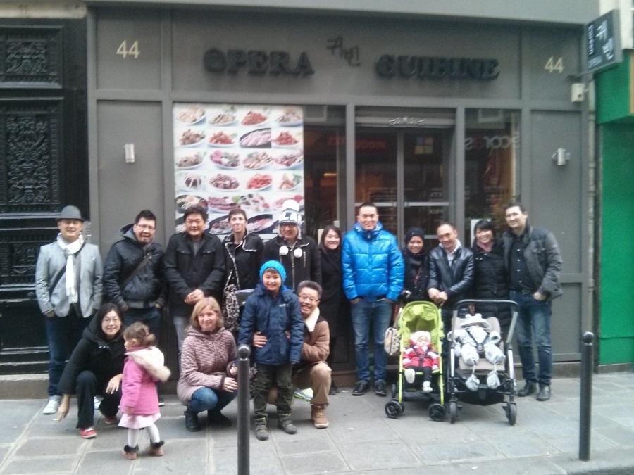 Photo de groupe du déjeuner mensuel parisien de Racines coréennes de novembre 2014